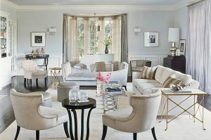 A Mix Of Gold And Silver Looks Lovely In Jennifer Lopez S Romantic Home Notice The Soft Gold Tables And Understated Silver Accents At The Back Of The Room